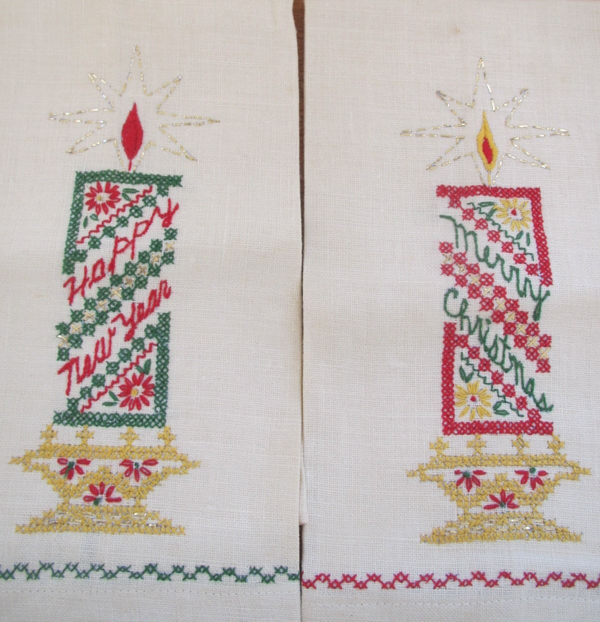 2 Vintage TOWELS Linen Merry Christmas Bath Hand Towel Set Hand Embroidered (L&T-244)