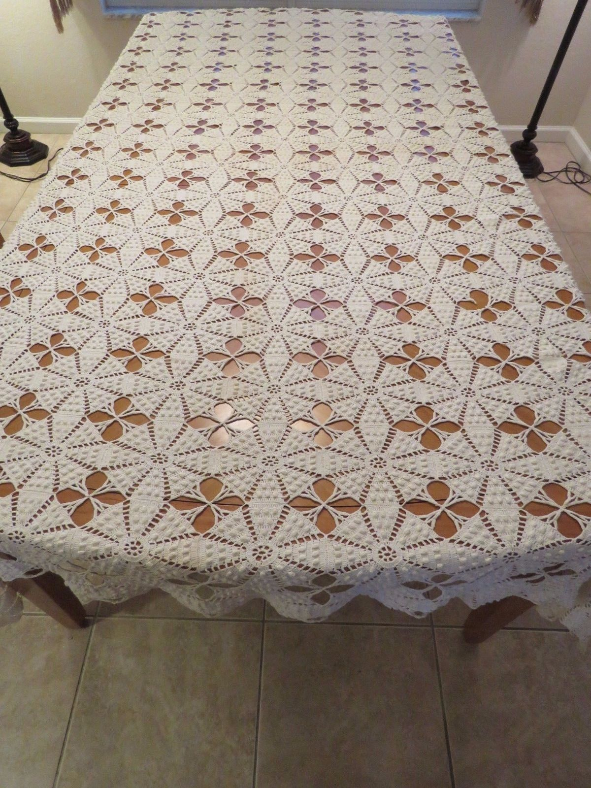 Vintage Bedspread Bed Cover Crocheted Crochet Lace Coverlet Afghan Throw Popcorn (L&T-401)