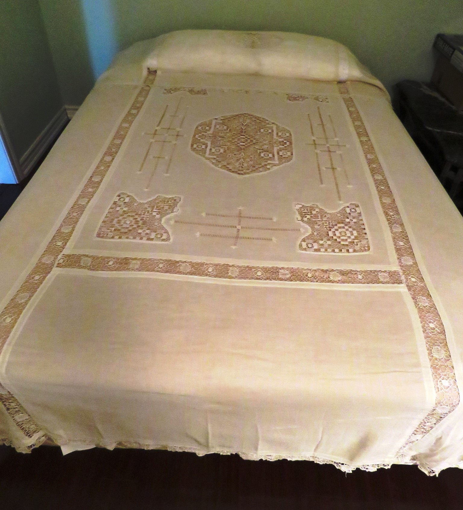 1900's Antique Bedspread Cotton Bed sheet Pillowcases and Pillow Lay Over Sham Lace Inserts   (L&T-516) in Linens & Textiles > Bedspreads, Quilts, Afghans