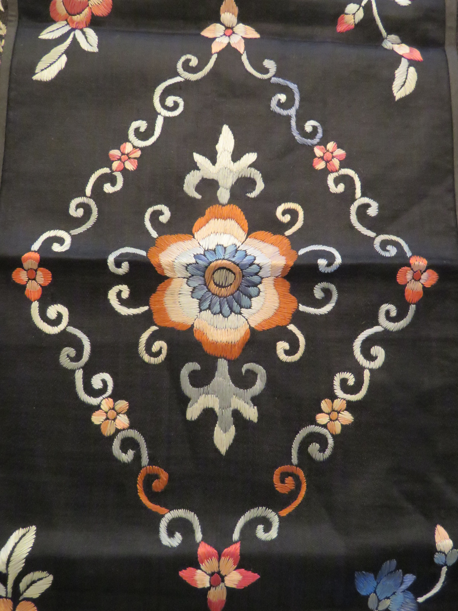 Vintage Chinese Embroidered Panel Table Runner Flowers Border (L&T-549) in Linens & Textiles > Tapestries, Panels, Rugs