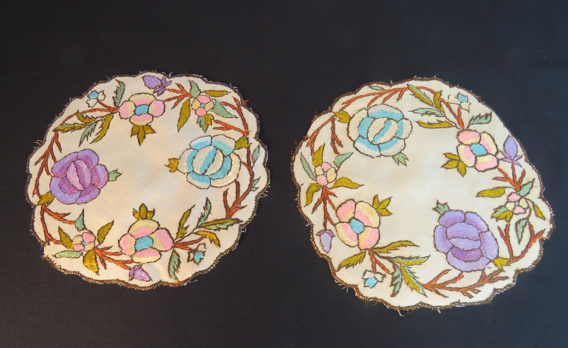 "Antique Doilies Hand Embroidered Society Silk Flowers Table Mats 10"" Turkish (L&T-674)"