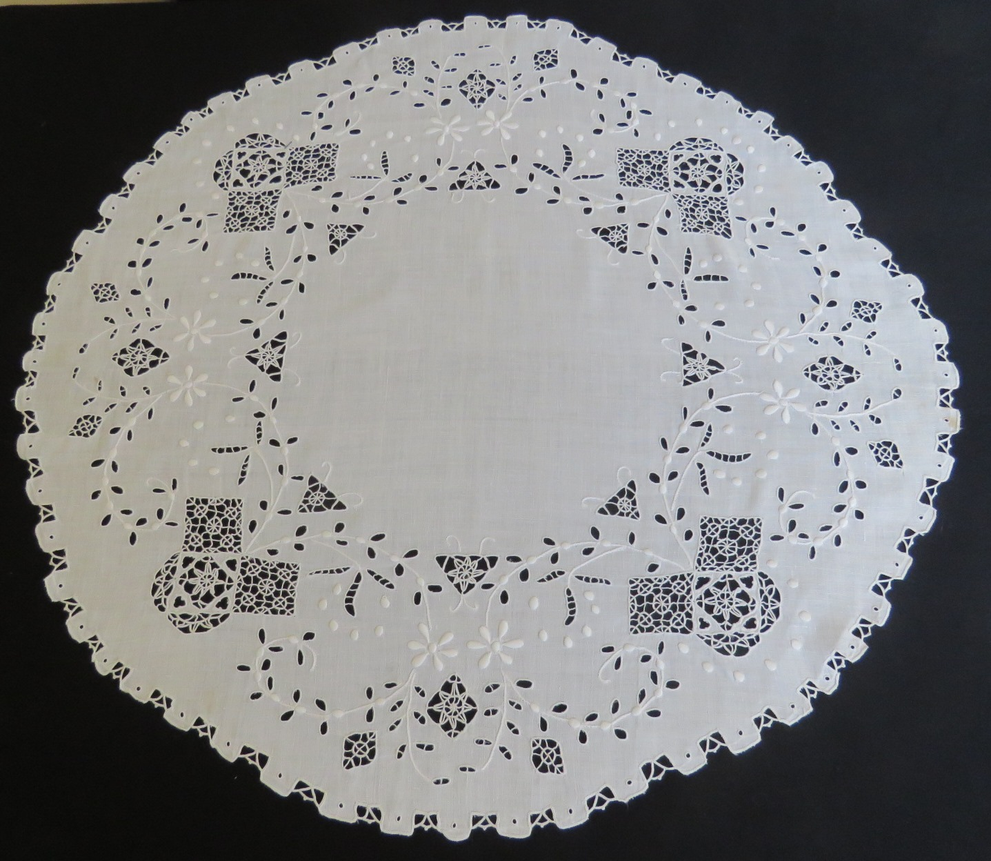 "Antique Linen Tablecloth 28"" Table Cover Topper Hand Made Reticella Needle Lace (L&T-712) in Linens & Textiles > Embroidery, Needle Work"