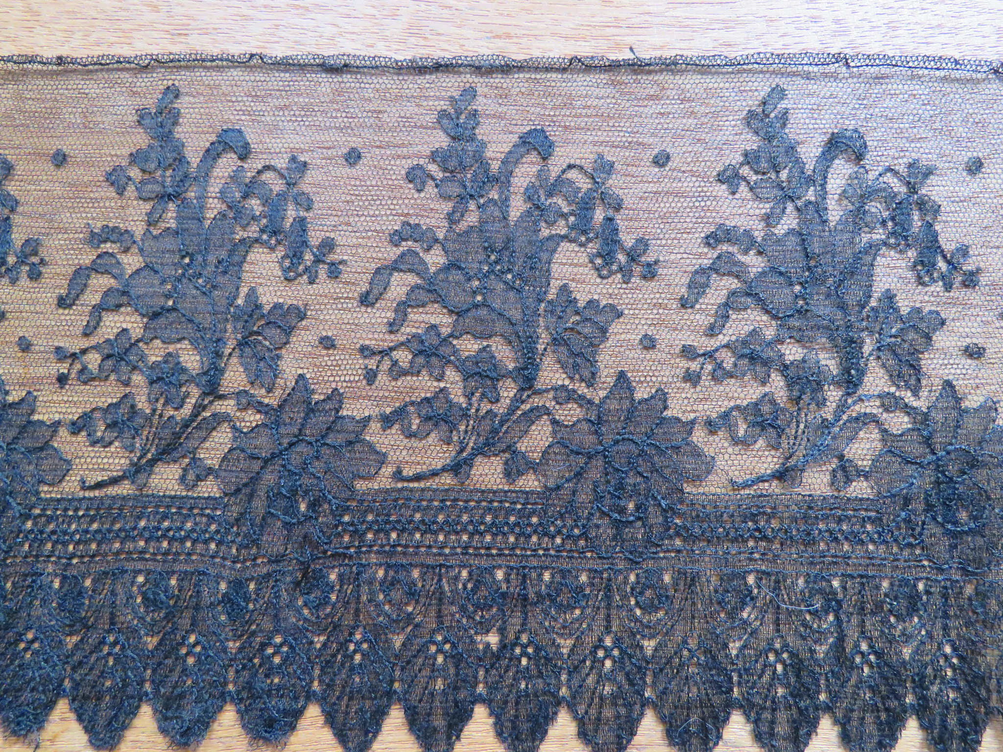 "Antique Black Chantilly Lace Trim Edging Scallop sewing craft dolls 12"" x 5 6/8"" (LAC-259)"