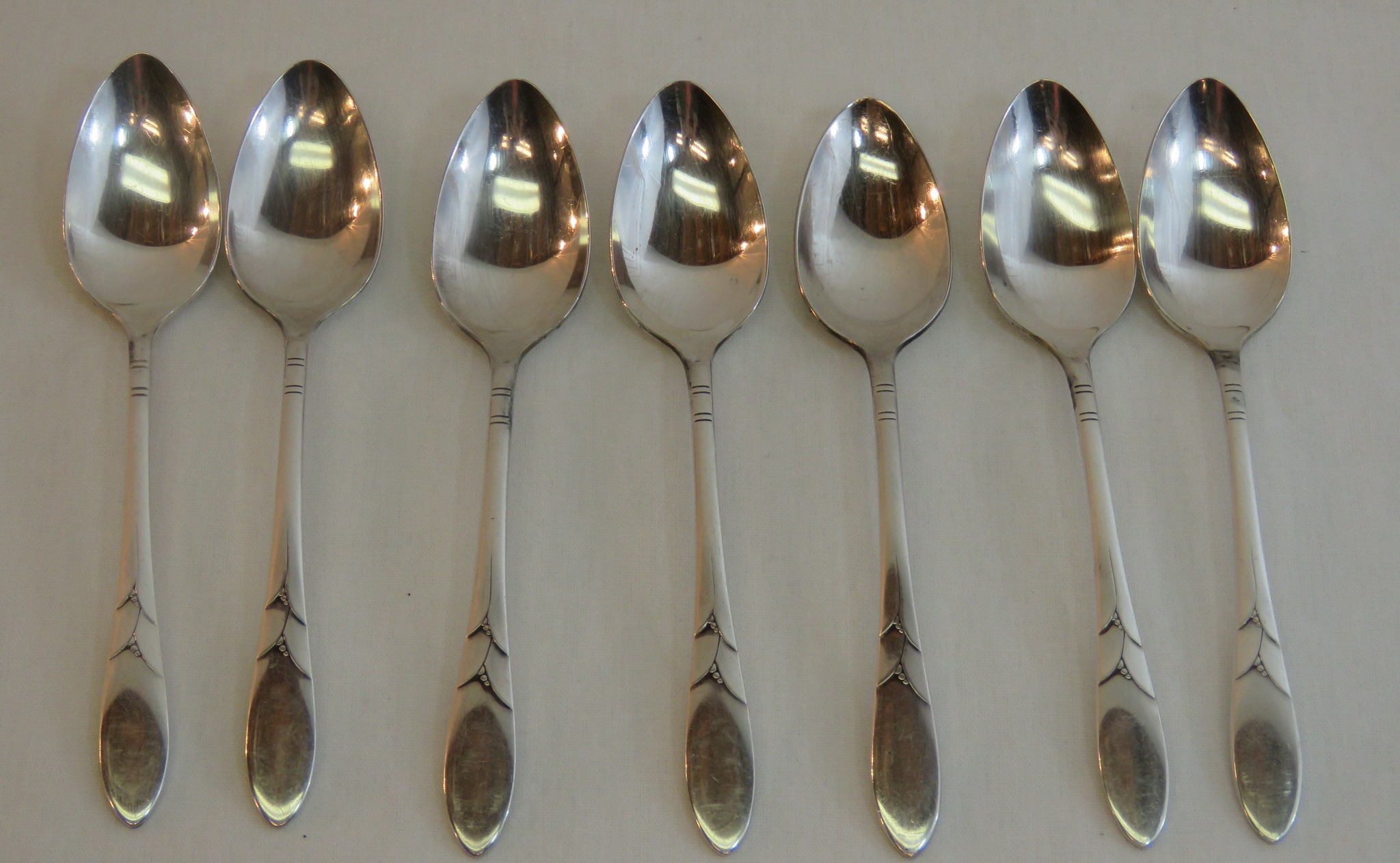 Vintage LADY HAMILTON COMMUNITY SILVERPLATE set of 7 COFFEE FIVE O'CLOCK SPOONS  (SIL-131)