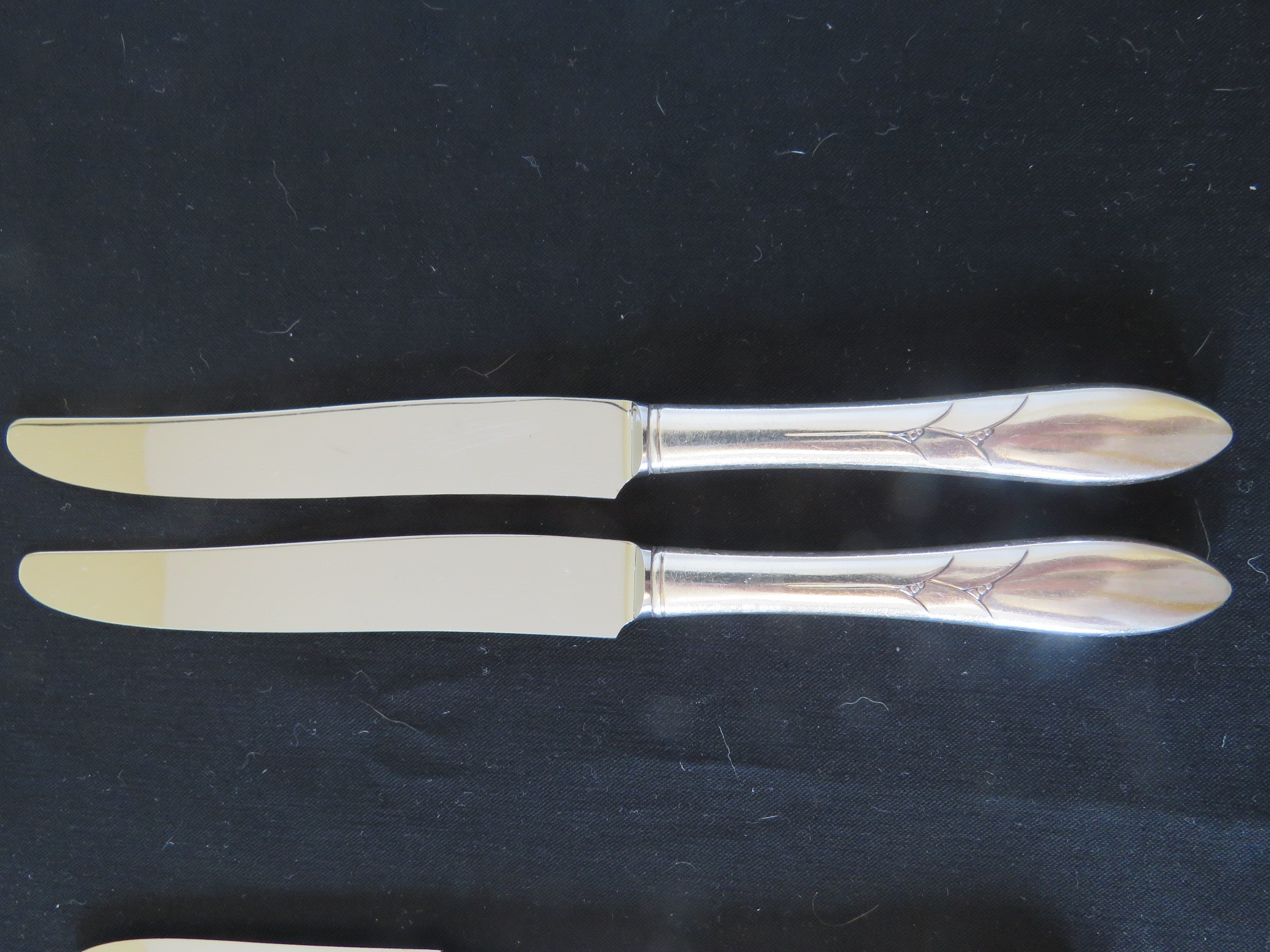 LADY HAMILTON COMMUNITY 3 Silverplate dinner KNIVES stainless blade  (SIL-348)