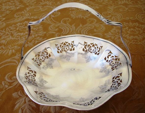Vintage Silverplate Candy Handled Basket Birks EPNS Pierced design  (SIL-400)